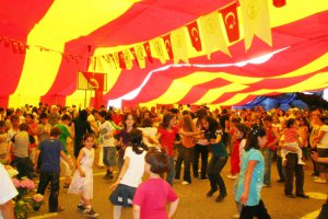 Kiraz Festivali'nde Hanefi Dilmaç show