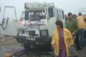 İşçileri taşıyan minibüs takla attı: 1 ölü