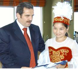 Kırgız öğrencilerden Dilmaç'a ziyaret
