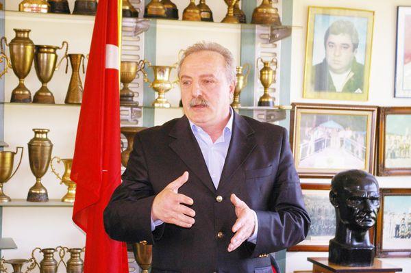 Siyasetten spora Kamil Adnan Güner