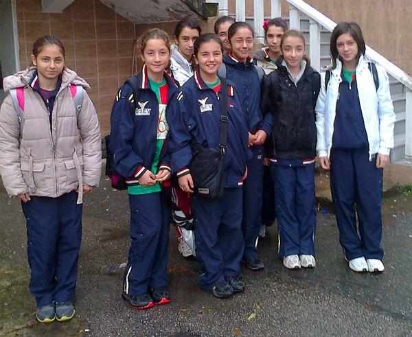 Atlet öğrenciler öğretmenler için koştu