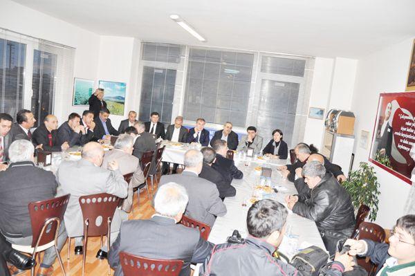 AK Partili adaydan Mesudiyelilere ziyaret