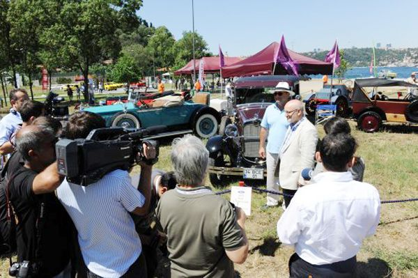 Klasik otomobiller zerafet yarışını Beykoz'da yaptı
