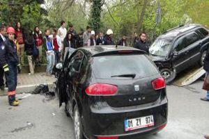 Küçüksu'da kaza... 5'i kadın 6 yaralı