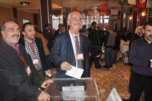 Aydın Düzgün Grup Başkan Vekilliği'nden istifa etti.
