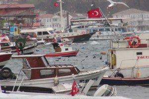 Beykoz'da fırtına nedeniyle tekne battı