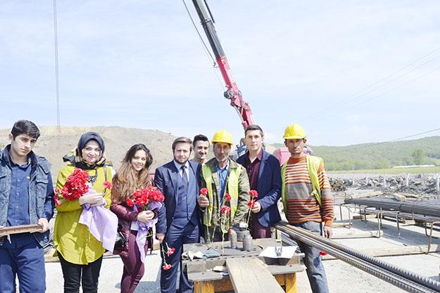 Beykoz Gençlik Meclisi 1 Mayıs'ı 3. Köprü inşaatında kutladı