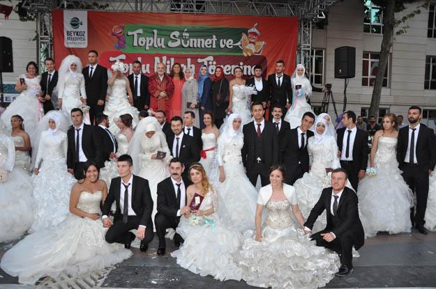 Beykoz'da 30 çifte Boğaz manzaralı nikah