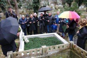 Mehmet Ali Birand Beykoz'daki kabri başında anıldı