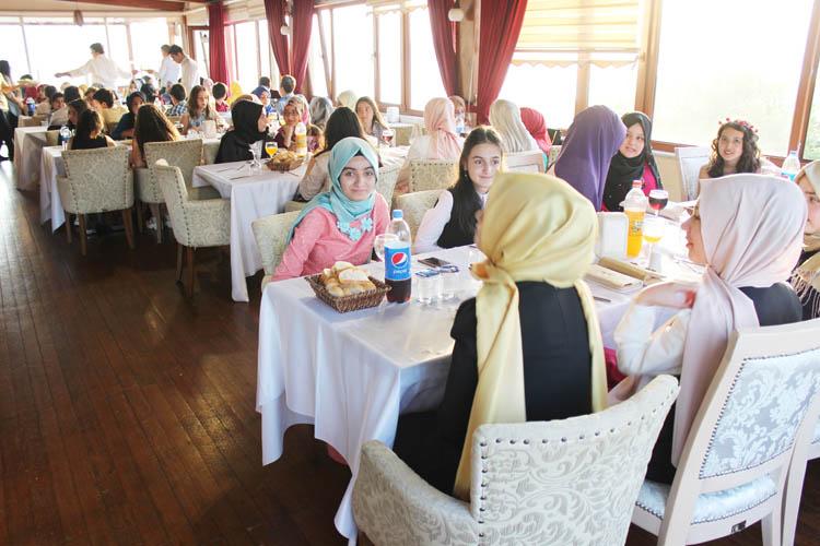 İlk mezuniyet anıları Beykoz'da kayda geçti