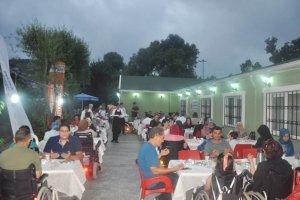 Halime ve Serdar Uraylı çiftinden TOFD'ye iftar sofrası