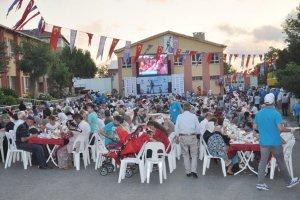 Çubuklu'da okul bahçesinde iftar keyfi