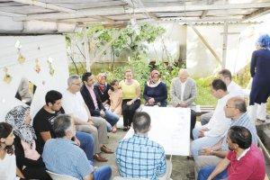 Çelikbilek'ten demokrasi şehitlerinin ailelerine ziyaret