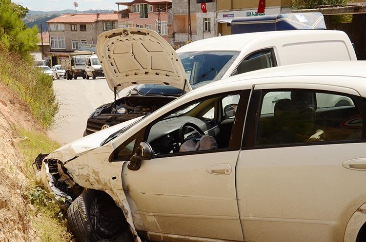 Beykoz Çavuşbaşı'nda zincirleme trafik kazası…