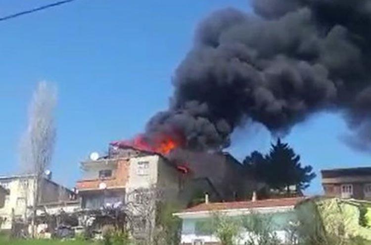 Beykoz'da bir gecekonduda yangın çıktı