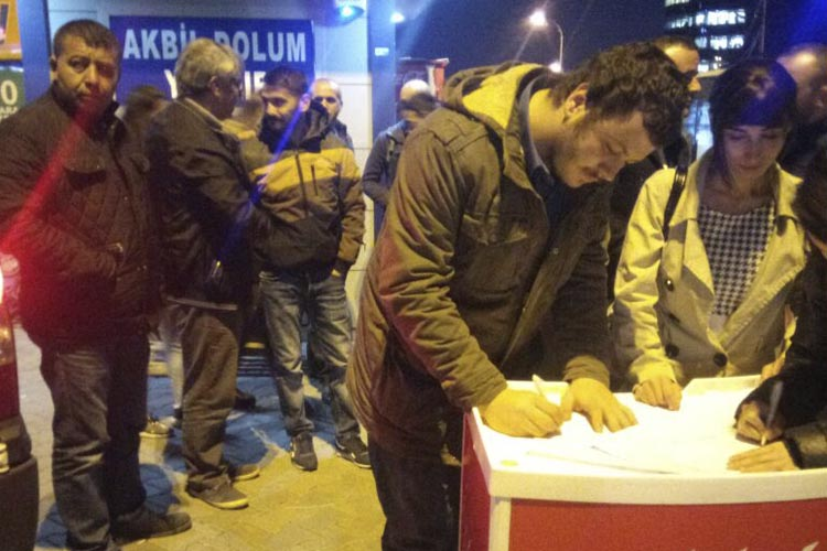 CHP Beykoz'da 2 saatte bin imza topladı