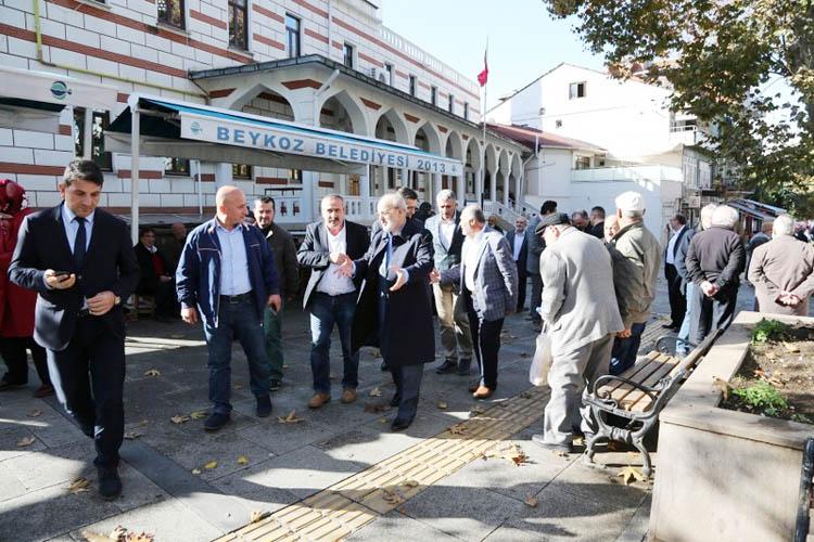 Beykoz Belediye Başkanı dert dinliyor