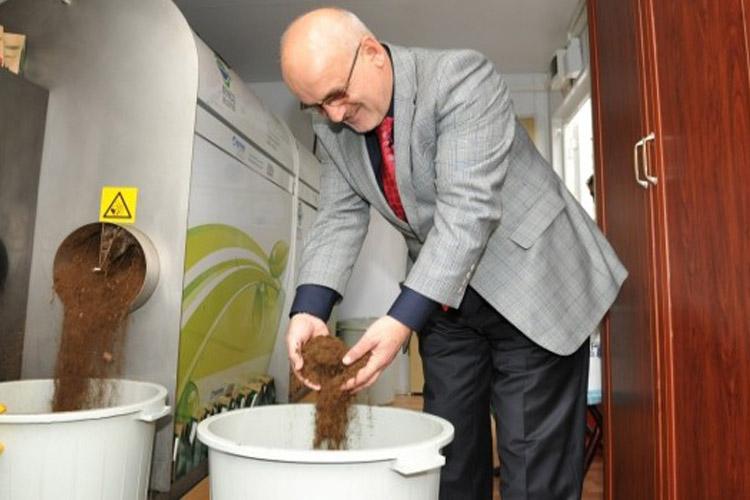 Beykoz'da yemek atıkları kompost oluyor