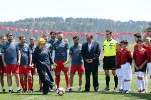 Emine Erdoğan Beykoz'da başlama vuruşu yaptı