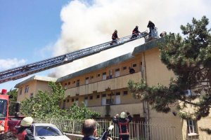 Beykoz'daki öğretmen lojmanında yangın çıktı...