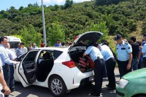 Beykoz'da yüz polisle narkotik incelemesi