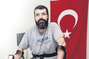 Beykozlu Gazi Mustafa Uygun'un robot cihaz sevinci