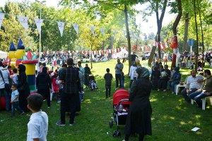 Beykoz'da Kızılay'dan sığınmacılara bayramlaşma