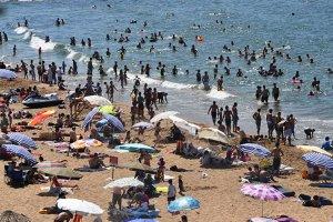 Beykoz'da plajlar doldu taştı...  Nem oranı % 92