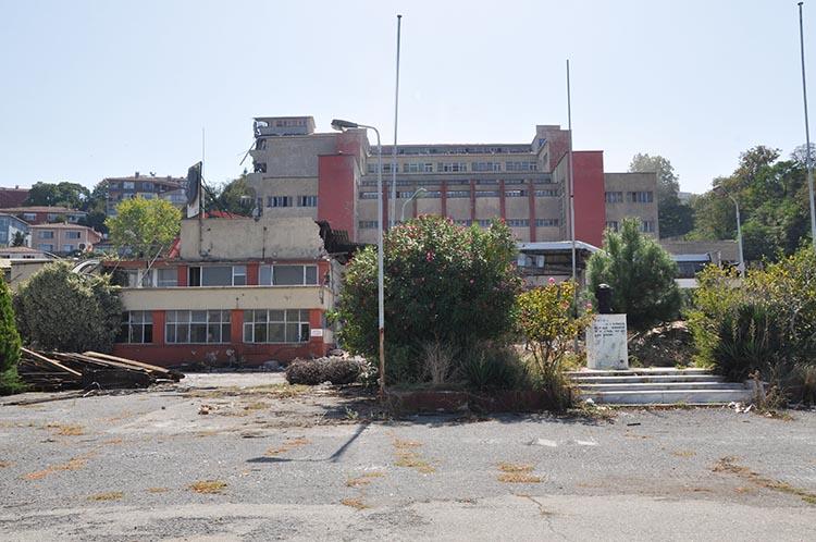 Torunlar Beykoz otelinin ruhsatını aldığını açıkladı