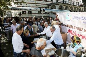 Beykoz Belediyesi'nden vatandaşa aşure ikramı