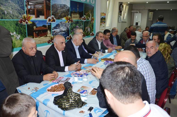 Beykoz'da Görentaşlılar kestaneye doydu