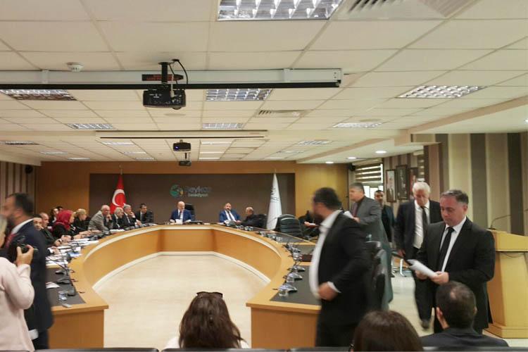 Beykoz Meclisi'nde 10 Kasım gergin geçti