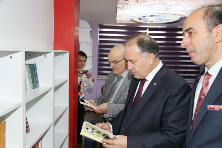 Beykoz'da 'Polis Candır'ın ilk kütüphanesi açıldı