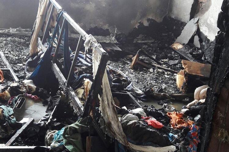 Beykoz'da dört yaşındaki çocuk evi yaktı