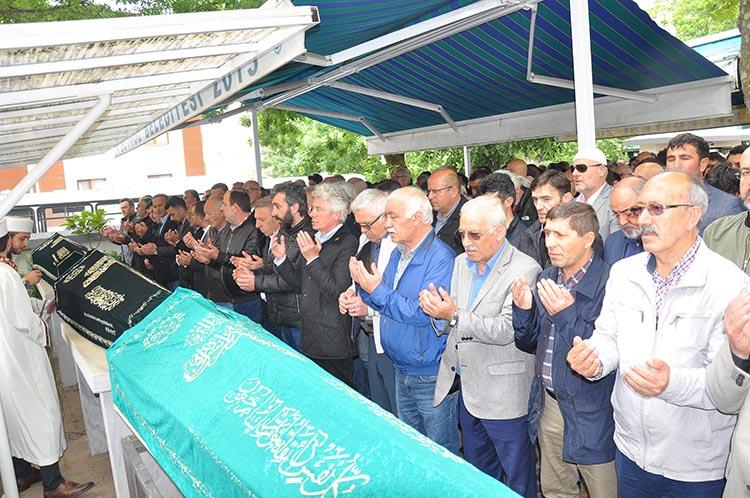 Beykoz'da aynı mahalleden 3 cenaze birden