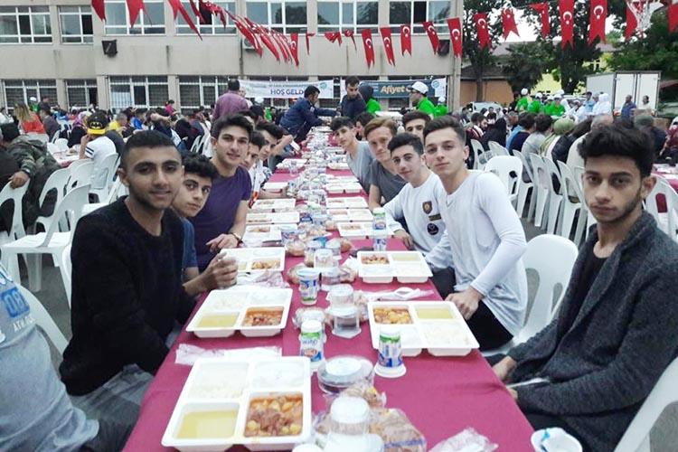 Beykoz'da iftar sofrası sporu buluşturdu