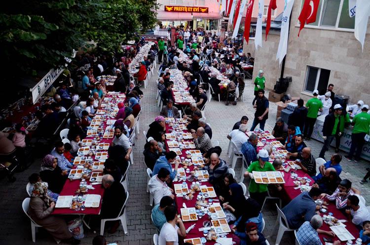 Belediye ve Konsey işbirliği ile iftar