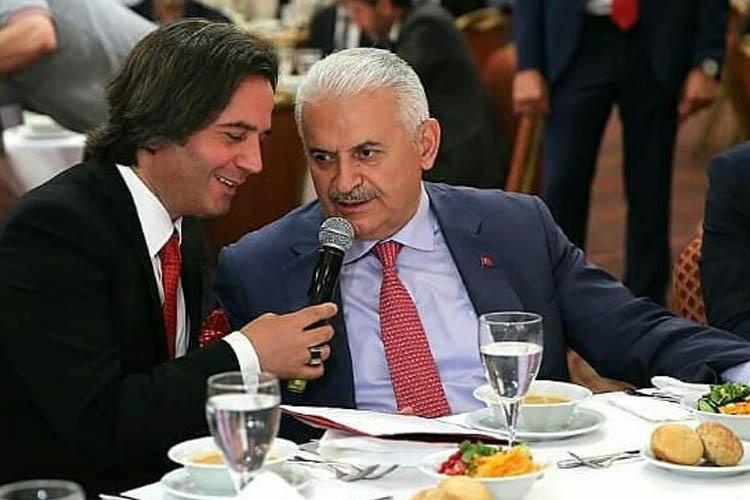 Beykozlu sanatçı Başbakanla türkü söyledi