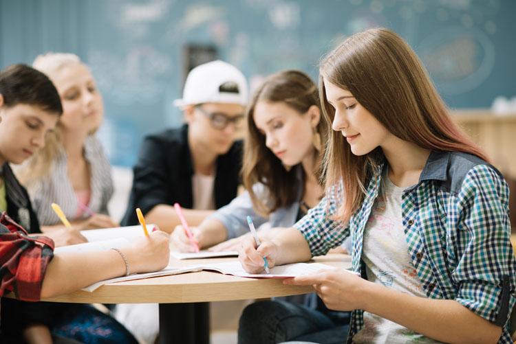 Belediye'den öğrencilere eğitim yardımı