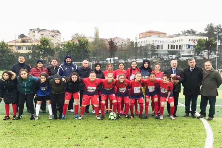 Rüzgarlıbahçe kızları galibiyetle başladı: 3-0