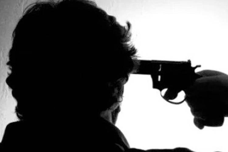 Emekli polis, Beykoz Riva yolunda intihar etti