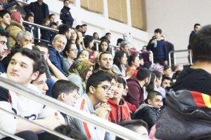 Beykoz'da hentbol seyircisi oluşmaya başladı