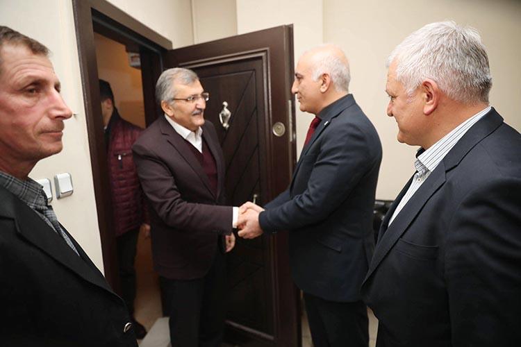 Murat Aydın MHP Beykoz'un kapısını çaldı