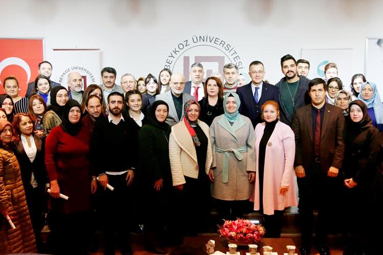 Beykoz'da yaşlı bakım kursiyerlerine sertifika