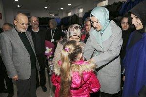Beykoz Sosyal Market'ten 400 çocuğa kışlık giysi