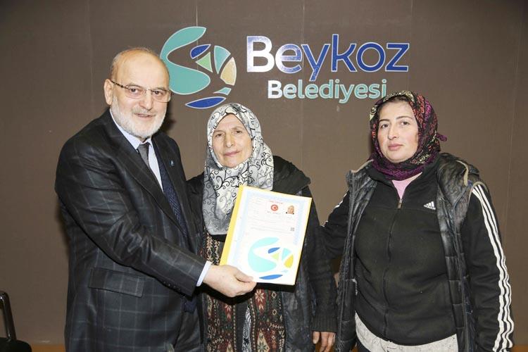 Beykoz Tokatköy'de tapu dağıtımı sürüyor