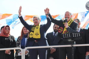 İçişleri Bakanı Beykoz Paşabahçe'de miting yaptı