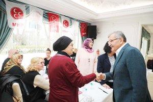 Murat Aydın Beykoz'da MHP'li kadınlarla bir araya geldi