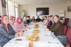 Beykoz'un Trabzonlu kadınlarından yöresel hamle