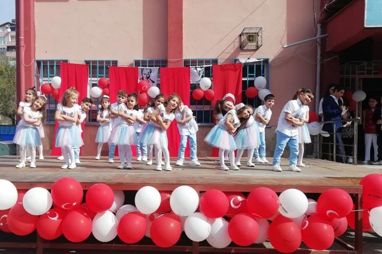 Mahmutşevketpaşa'da muhteşem 23 Nisan
